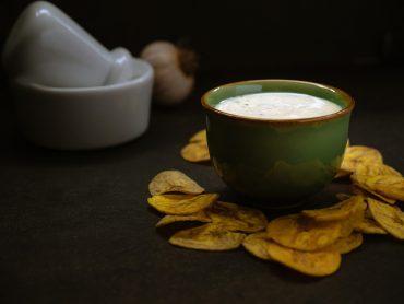 Creamy Mojo Criollo Dip with Plantain Chips