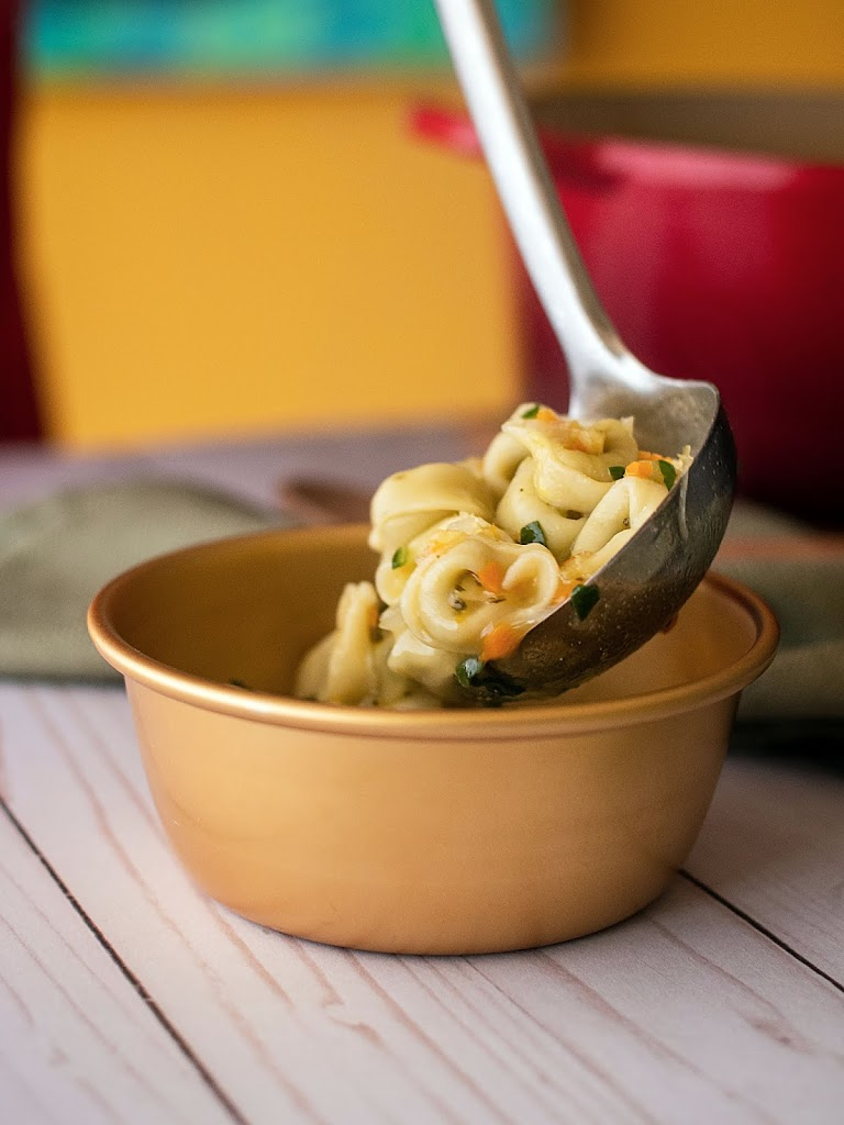 A simple comforting bowl of tortellini soup that will warm you up in mind, body and soul. | Local Food Rocks